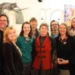 Dana Kleckner und Stefanie Schöffmann mit DesignerInnen bei der Ausstellungseröffnung in Graz