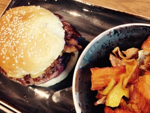 Burger & Crisps