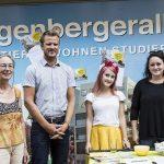 Freuen sich über die gute Stimmung: Erika Thümmel (Verein Jakominiviertel), Janine Hugsam und Patricia Wess (Coworking Fuffzk)