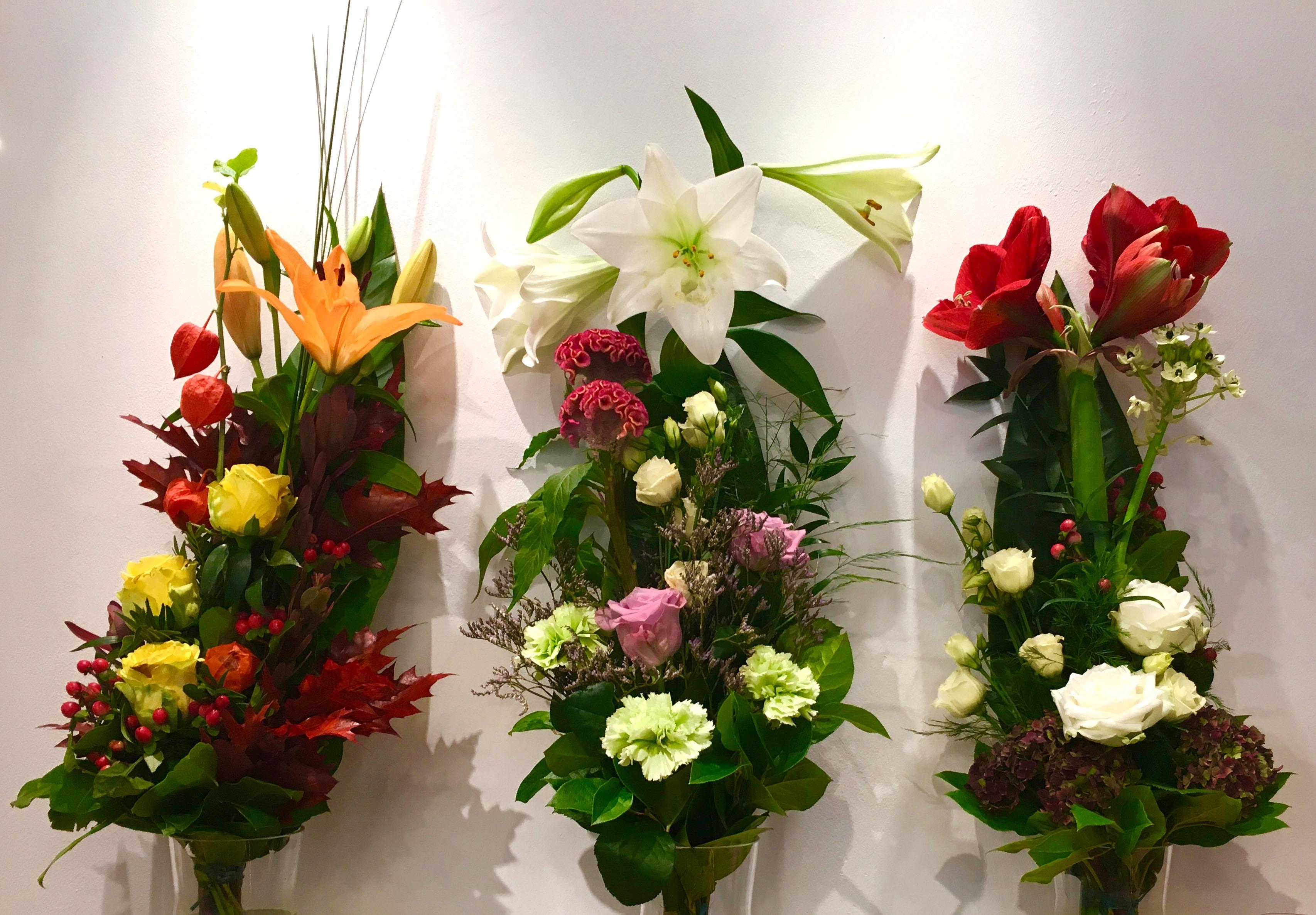 Liebevolle Dekorationen und Sträuße zeichnen das Flowerpower aus.