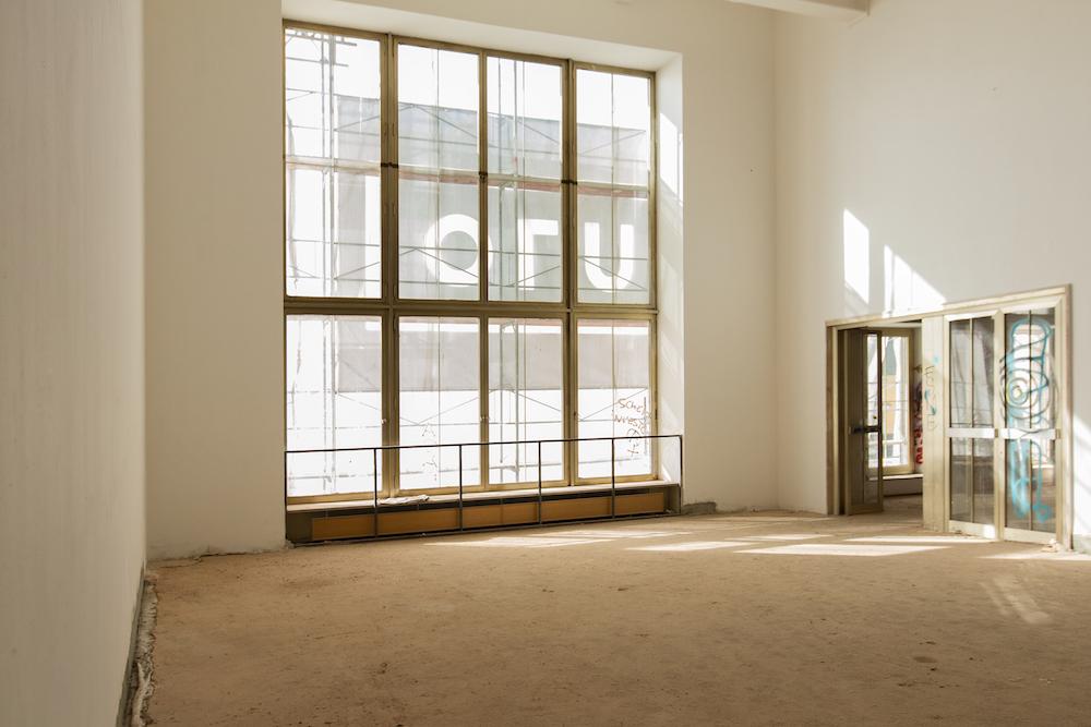 Fast zu schön, um dort zu arbeiten:  Einst Ballsaal, nun lichtdurchfluteter Büro-Loft