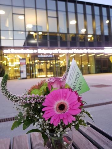 flowerpower Gadollaplatz